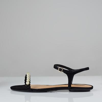 Pearl detail sandals black